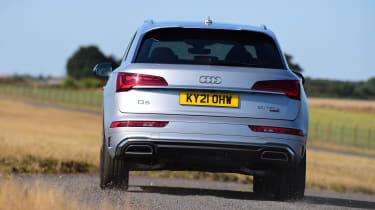 Audi Q5 - rear cornering