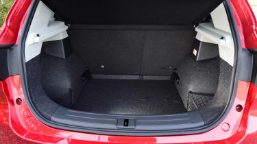MG ZS - boot 2