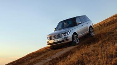 Range Rover MY2017 - silver downhill