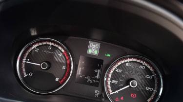 Mitsubishi L200 Barbarian SVP - dials