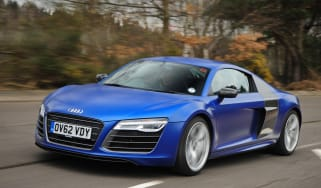 Audi R8 V10 Plus Coupe front tracking
