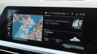 BMW 320d xDrive Touring - infotainment
