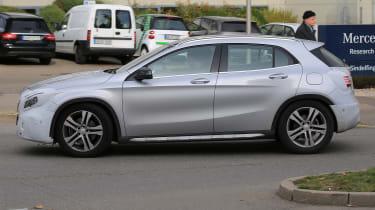 Mercedes GLA facelift 2017 spied 6