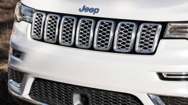 Jeep Grand Cherokee Summit - grille