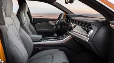 Audi Q8 - front seats