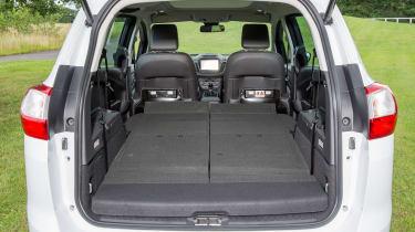 Ford Grand C-MAX 2016 - boot seats flat