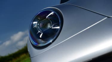 Porsche 911 Cabriolet - front light