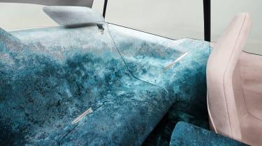 BMW Vision iNEXT - studio rear bench