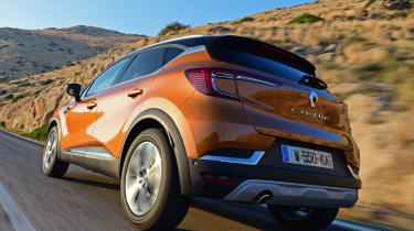 Renault Captur - rear tracking