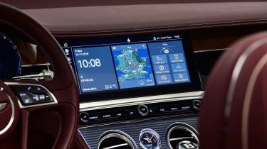 Bentley Continental GTC - studio sat-nav