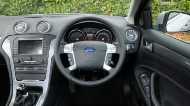 Ford Mondeo steering wheel