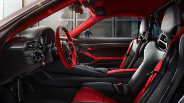 Porsche 911 GT2 RS - interior