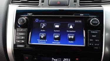 Nissan Navara - infotainment