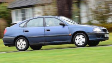 Used Toyota Avensis side profile