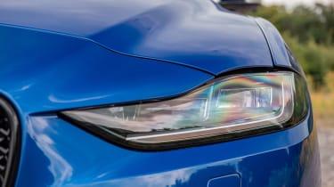 Jaguar XE P250 - front light