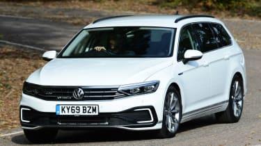 Volkswagen Passat GTE Estate - front action