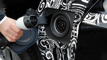BMW X5 eDrive plug