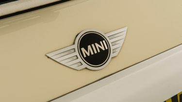Used MINI Cooper - badge