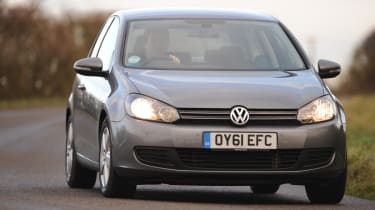 VW Golf 2.0 TDI Match front cornering