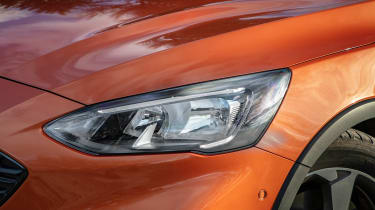 Ford Focus Active - headlight
