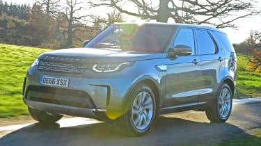 Used Land Rover Discovery 5 - front action