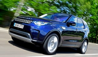 Land Rover Discovery TD6 - front
