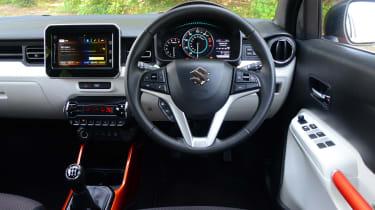 Suzuki Ignis - front cabin
