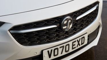 Vauxhall Insignia GSi - grille