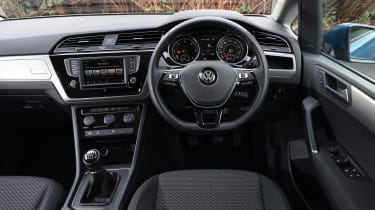 Volkswagen Touran - dash