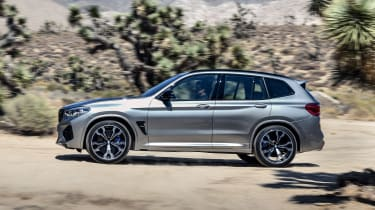 BMW X3 M Competition - side action