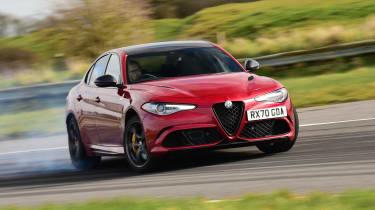 Alfa Romeo Giulia Quadrifoglio - cornering