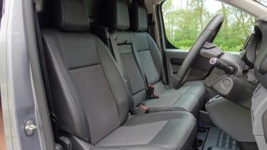 Peugeot e-Expert - seats