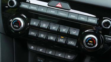 Kia Sportage 48V hybrid - centre console