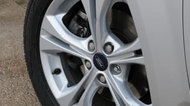 Ford Mondeo Graphite alloy wheel