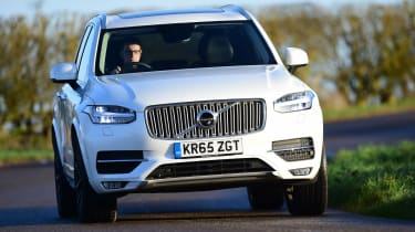 Volvo XC90 - front driving
