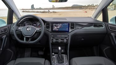 VW Golf SV - interior