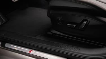 Audi Q4 e-tron - sill