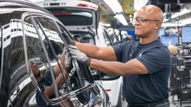 BMW SUVs feature - BMW X7 production