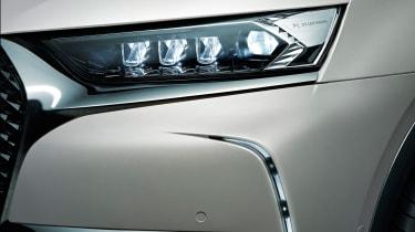 DS 7 Crossback E-Tense headlight