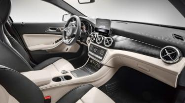 Mercedes GLA 2017 - interior cream