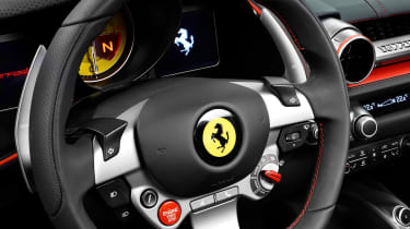 Ferrari 812 Superfast details wheel