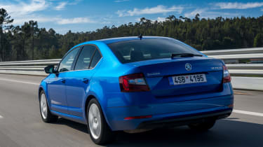 Skoda Octavia 2017 - rear tracking