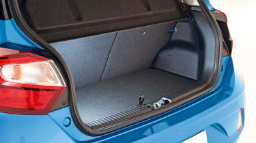 Hyundai i10 - boot studio