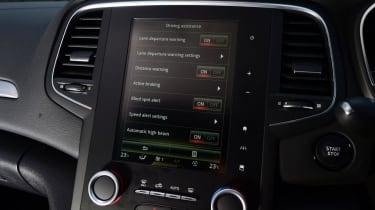 Renault Megane Sport Tourer - infotainment screen
