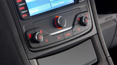 Used Ford Galaxy - centre console