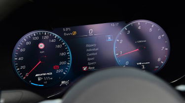 Mercedes-AMG GT R Roadster - dials
