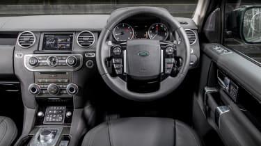 Land Rover Discovery Landmark dashboard