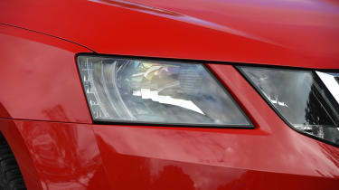 Skoda Octavia Estate 1.5 TSI - front light