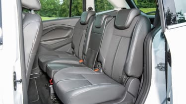 Ford Grand C-MAX 2016 - rear seat