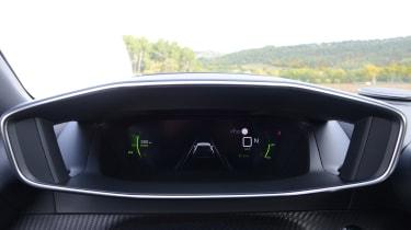 Peugeot 2008 - instrument binnacle